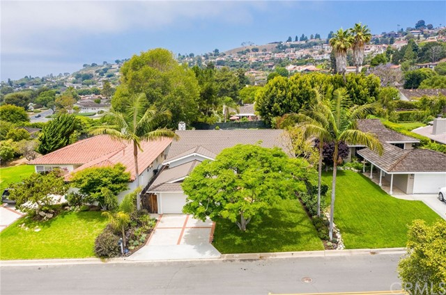 817 Tyburn Road, Palos Verdes Estates, California 90274, 3 Bedrooms Bedrooms, ,1 BathroomBathrooms,Single family residence,For Sale,Tyburn,TR19167011