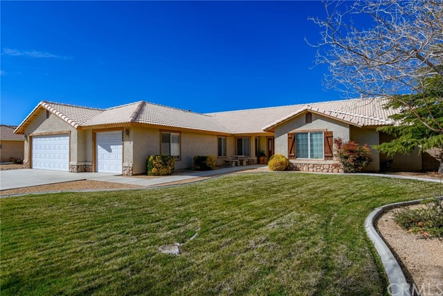 20292 Majestic Drive, Apple Valley, CA 92308