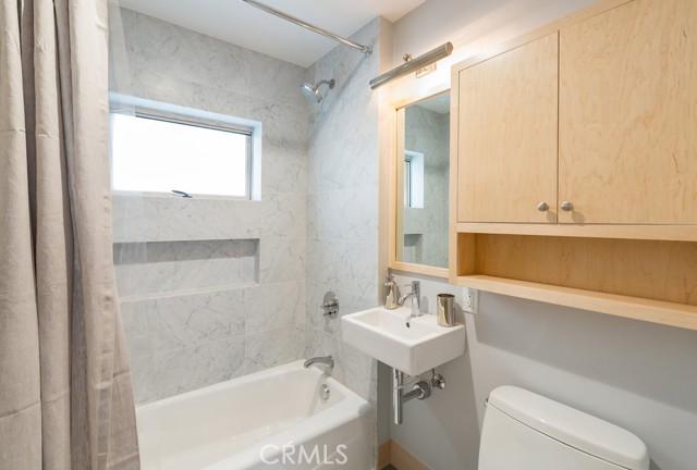 814 Monterey Boulevard, Hermosa Beach, California 90254, 3 Bedrooms Bedrooms, ,3 BathroomsBathrooms,For Rent,Monterey,SB21026527