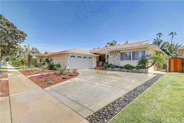 6820 E 11th Street, Long Beach, CA 90815