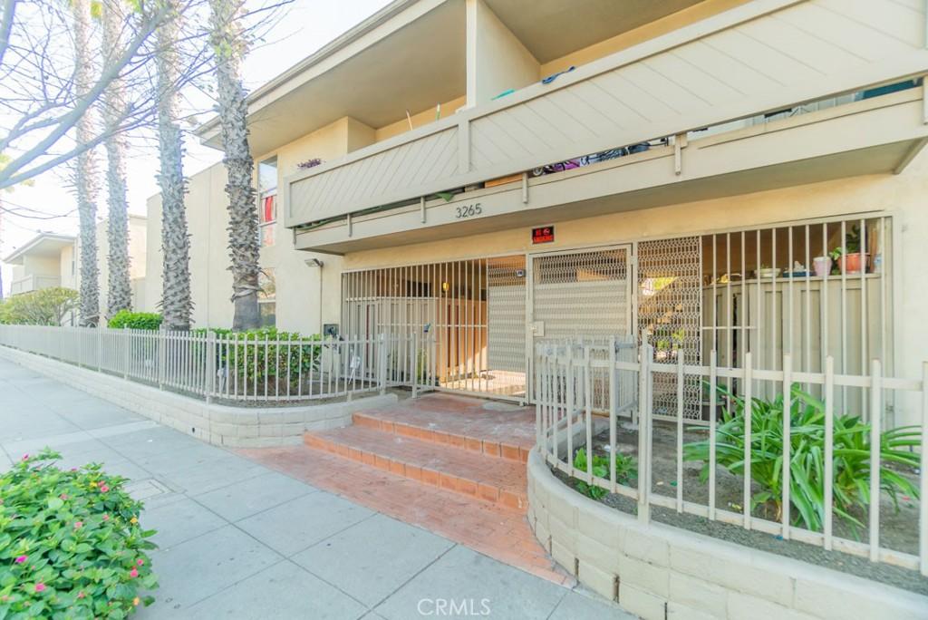 3265     Santa Fe Avenue   52, Long Beach CA 90810