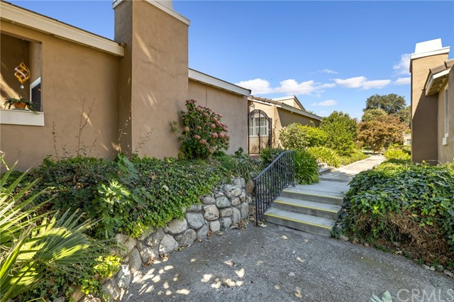 1154 Mountain Gate Road, Upland CA: https://media.crmls.org/medias/e419ce85-f78b-45a2-b7fe-64f6d6b44b33.jpg