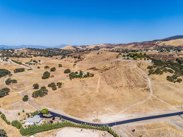 55655 Country Lake Drive, Bradley, CA 93426