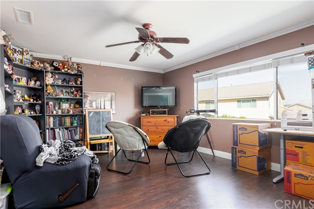 7062 Paddlewheel Drive, Eastvale CA: https://media.crmls.org/medias/e438daad-cde4-4811-880d-4e4dd940fc27.jpg