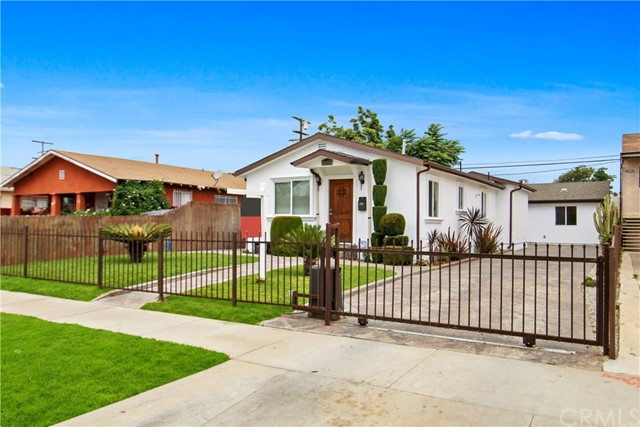 1645 W 69th Street, Los Angeles, CA 90047
