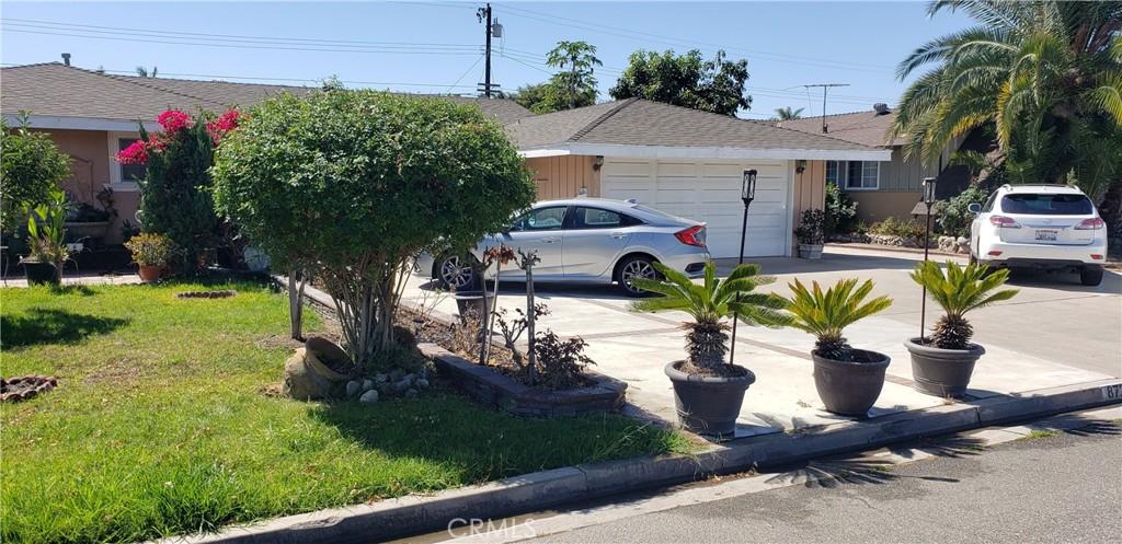 8722     La Grand Avenue, Garden Grove CA 92841