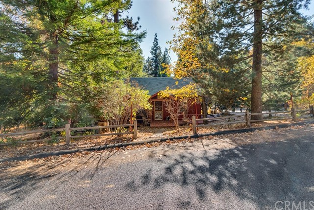 5855 Lake Drive, Angelus Oaks, CA 92305