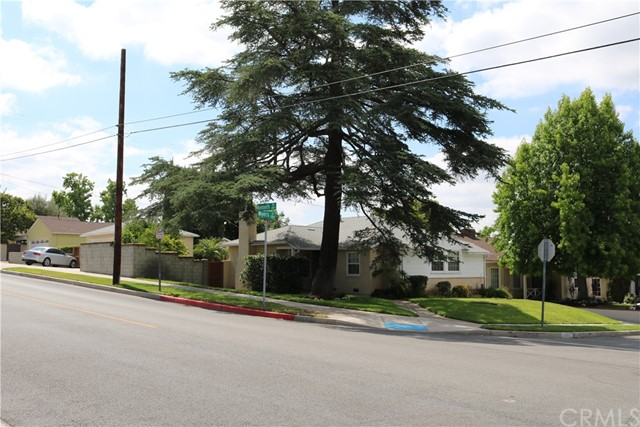 2744 N Myers Street, Burbank, CA 91504