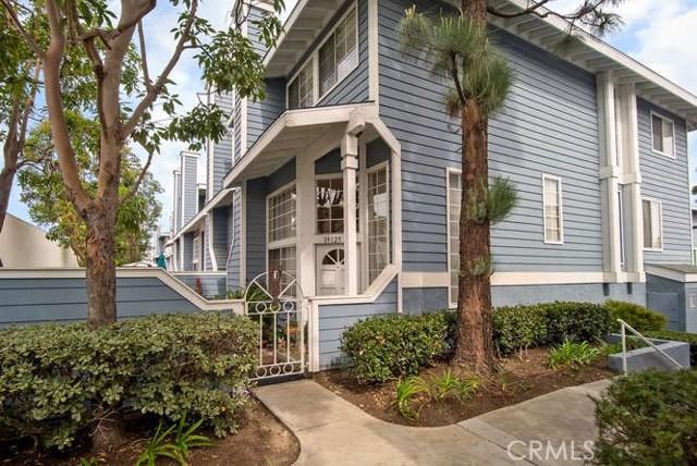 19125 Beachcrest Lane A, Huntington Beach, CA 92646