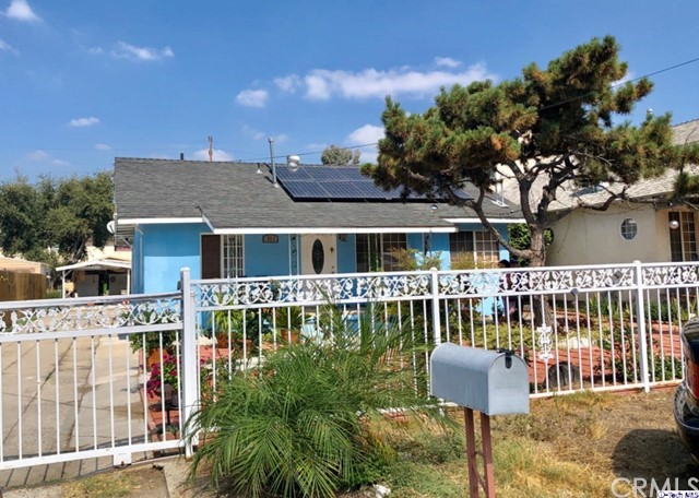 711 Chestnut Avenue, Los Angeles, CA 90042