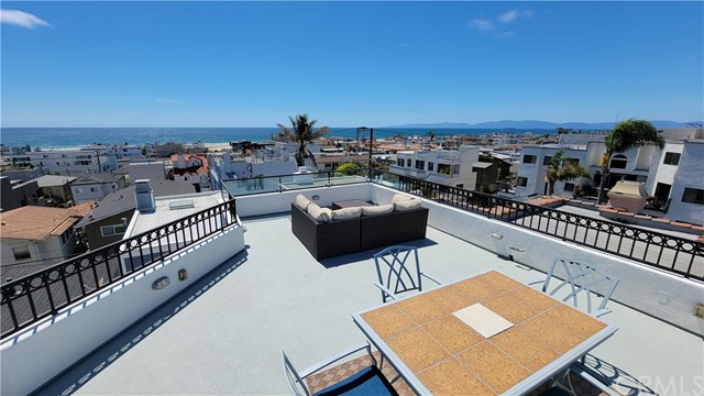 341 Monterey Boulevard Hermosa Beach, CA 90254