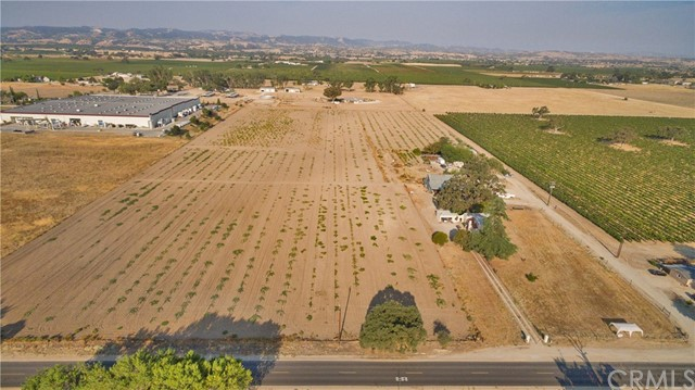 5175 Airport Road, Paso Robles, CA 93446