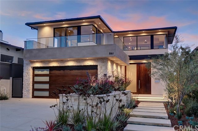 861  8th Street, Manhattan Beach, California
