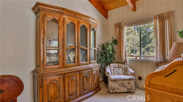 32998 Canyon Dr, Green Valley Lake, CA 92341 Photo 15