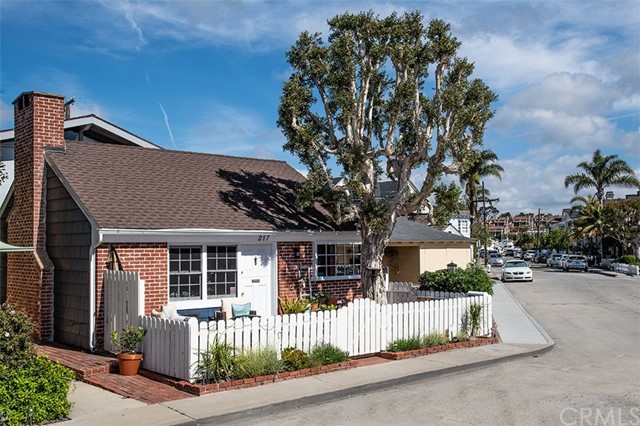 217 Topaz Avenue, Newport Beach, CA 92662