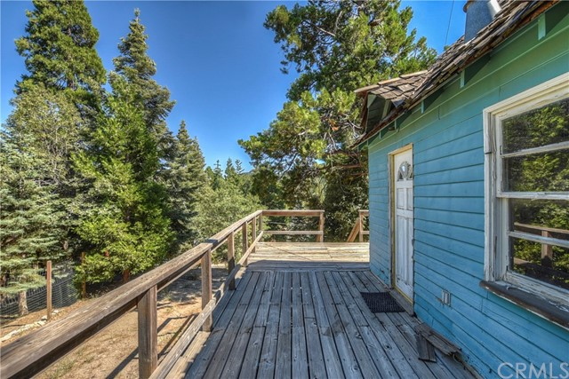 372 Cedarbrook Drive, Twin Peaks, CA 92391