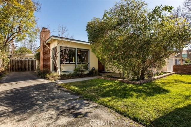 520 N Beachwood Drive, Burbank, CA 91506
