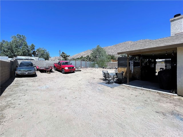 28. 6958 Mohawk Trail Yucca Valley, CA 92284