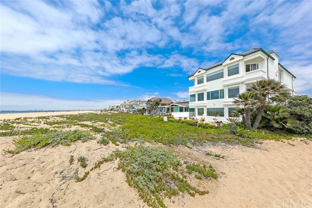 16566 S Pacific Ave, Sunset Beach, CA 90742