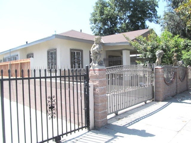 9571 Grandee Avenue, Los Angeles, CA 90002