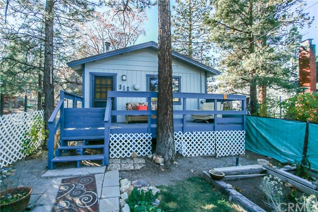 312 Riverside Avenue, Big Bear, CA 92386