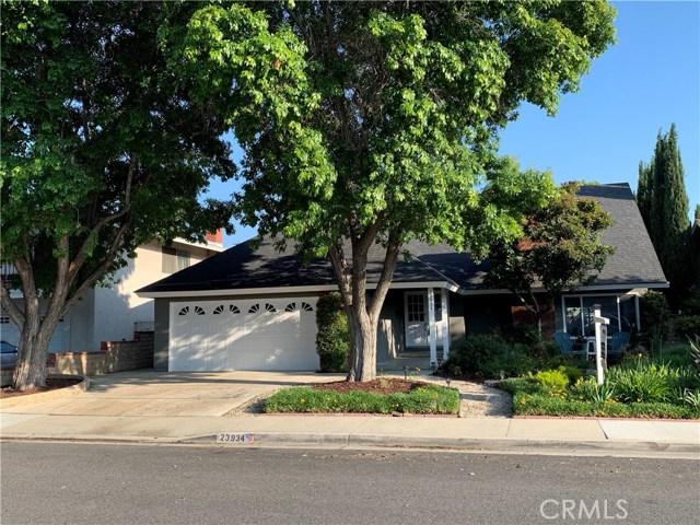 23934 Avenida Entrana, Valencia, CA 91355