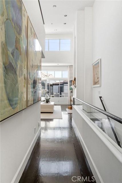 720 Manhattan Beach Boulevard, Manhattan Beach, California 90266, 2 Bedrooms Bedrooms, ,2 BathroomsBathrooms,For Sale,Manhattan Beach,SB20242786