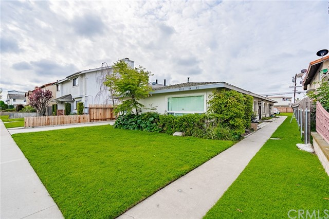 4382 Howard Avenue, Los Alamitos, CA 90720