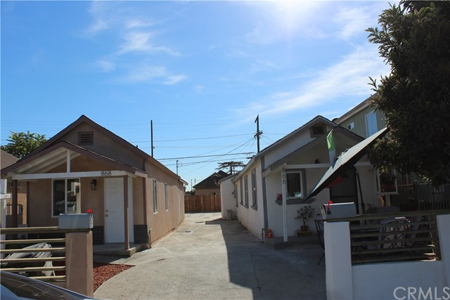 866 E 52nd Place, Los Angeles, CA 90011