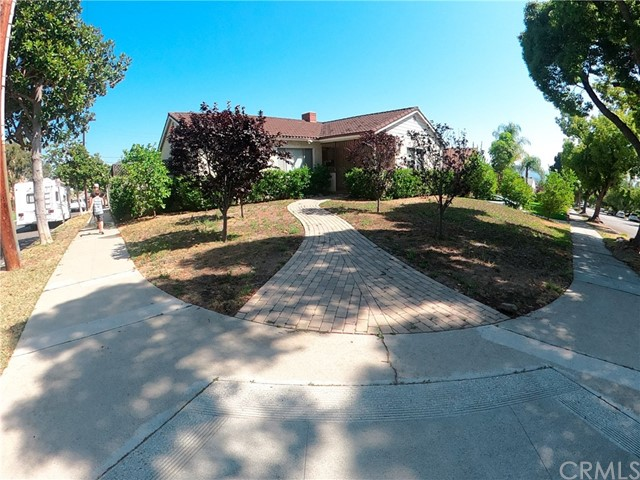 948 Uclan Drive, Burbank, CA 91504