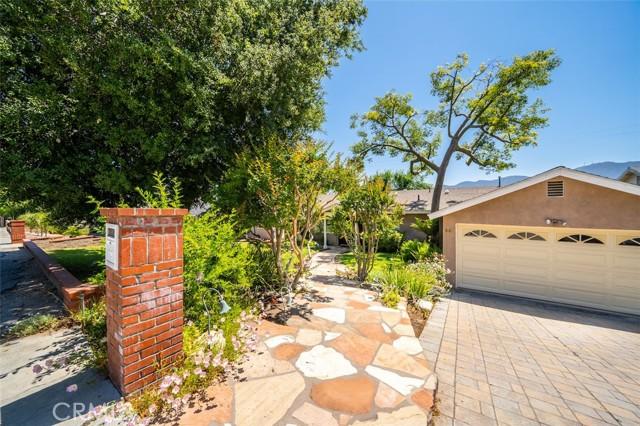 4. 3026 Stevens Street La Crescenta, CA 91214