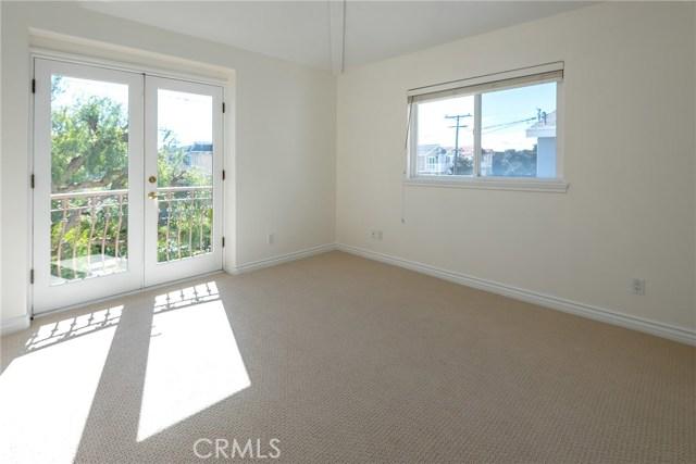 2111 Nelson Avenue A, Redondo Beach, California 90278, 4 Bedrooms Bedrooms, ,2 BathroomsBathrooms,For Sale,Nelson,SB19043798