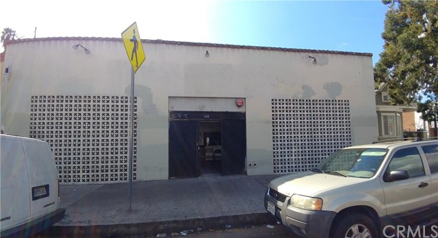 1320 W Venice Boulevard, Los Angeles, CA 90006