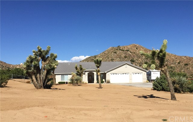 8294 Acoma Trail, Yucca Valley, CA 92284