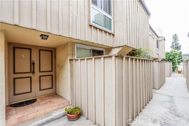 4. 1818 Parnell Avenue #5 Los Angeles, CA 90025
