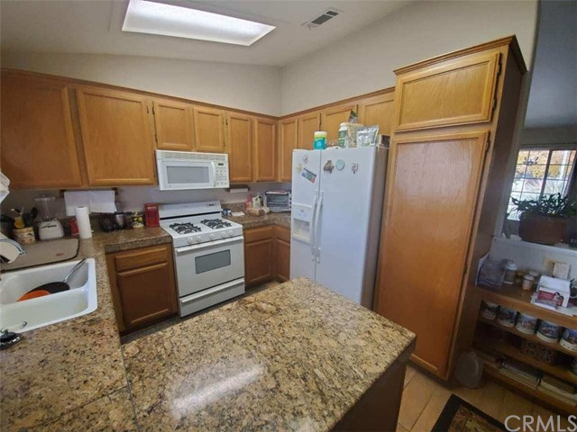 Image 3 of 13006 High Crest St, Victorville, CA 92395