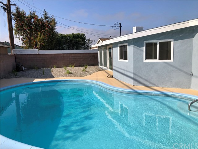 Image 2 of 2288 San Vicente Ave, Long Beach, CA 90815