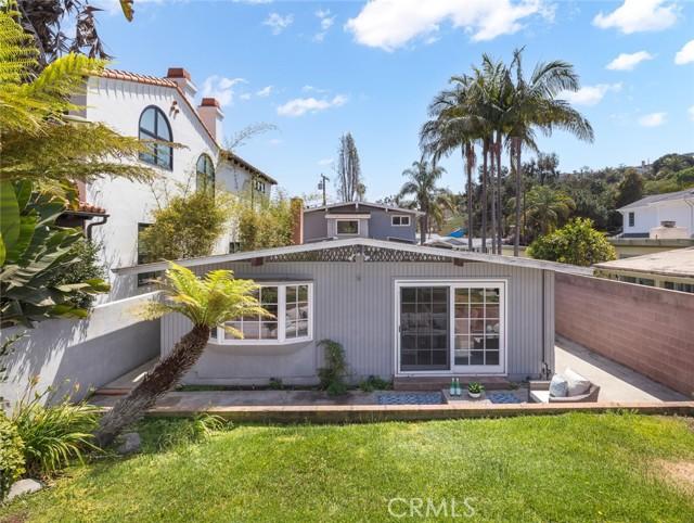 562 31st Street, Manhattan Beach, California 90266, 4 Bedrooms Bedrooms, ,3 BathroomsBathrooms,For Sale,31st,SB21032362