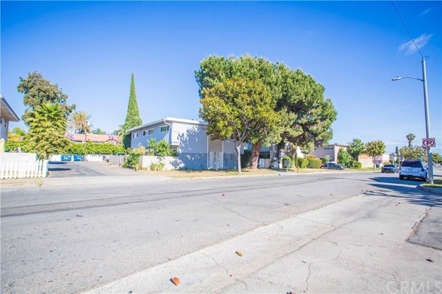 Sought-after Quadruplex in Garden Grove, fully occupied with total income of 8,000.00 per month.  Each unit is 2 bedroom and 1.5 bathroom and just remodeled recently.  Dual pane window throughout all units.  All units have its own gas and electric meter, owner only pay for water and trash.  Each unit have 3 assigned parking space.  There is laundry room in the back of the unit can generate extra income for new owner.  The property located near all convenience supermarkets, shops, entertainments, and freeways.  Don't let the opportunity slip away.