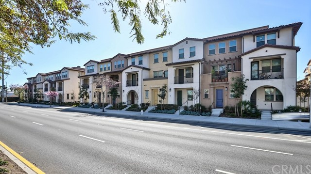 1060 S Harbor Boulevard Santa Ana, CA 92704