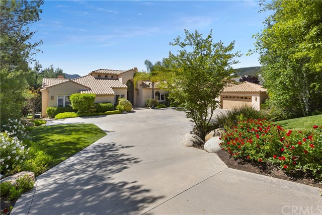 22285 Bear Creek Drive N, Murrieta, CA 92562