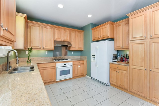 Upgraded Kitchen with Granite Counter Top.