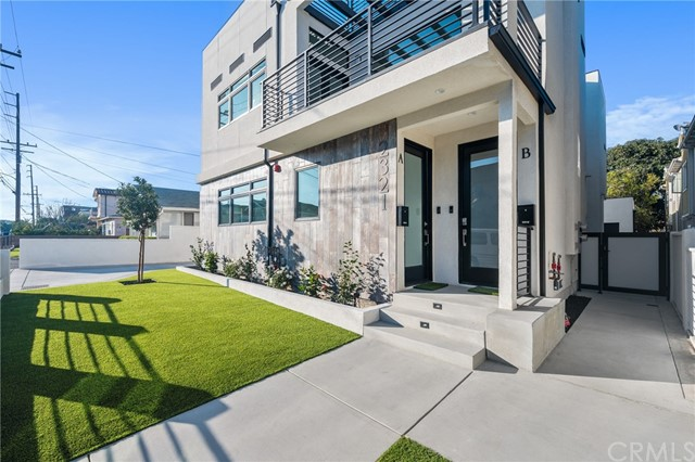 2321 Vanderbilt Lane A, Redondo Beach, California 90278, 3 Bedrooms Bedrooms, ,2 BathroomsBathrooms,For Rent,Vanderbilt,PV21013184