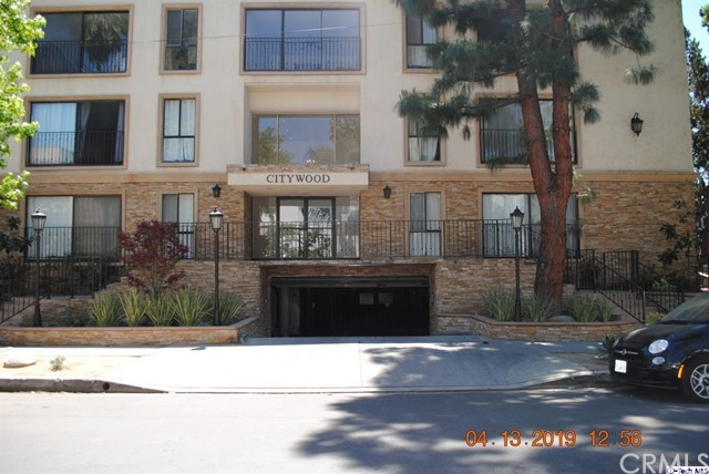 15344 Weddington Street 113, Sherman Oaks, CA 91411