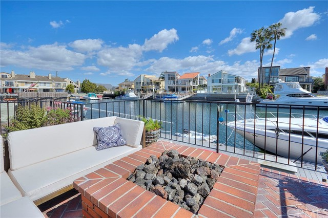 16086  Bonaire Circle, one of homes for sale in Huntington Harbor