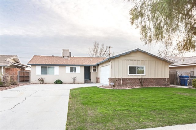 8033 Willis Avenue, Bakersfield, CA 93306