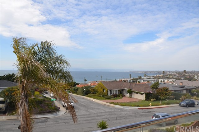456 Camino De Encanto, Redondo Beach, California 90277, 4 Bedrooms Bedrooms, ,3 BathroomsBathrooms,For Sale,Camino De Encanto,SB21058040