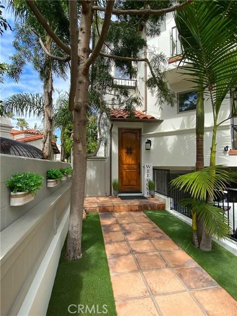 1126 Laurel Avenue, Manhattan Beach, California 90266, 4 Bedrooms Bedrooms, ,2 BathroomsBathrooms,For Sale,Laurel,SB20067544