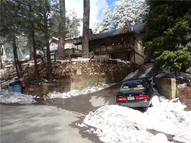 31484 Circle View Drive, Running Springs, CA 92382