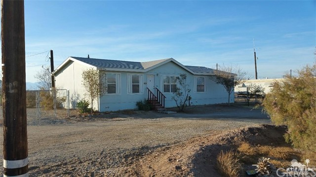 9533 Avenue B, Bombay Beach, CA 92257